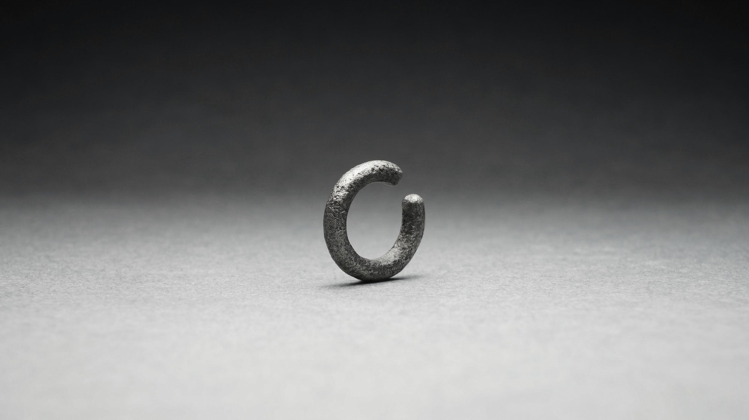 [D]EC-003