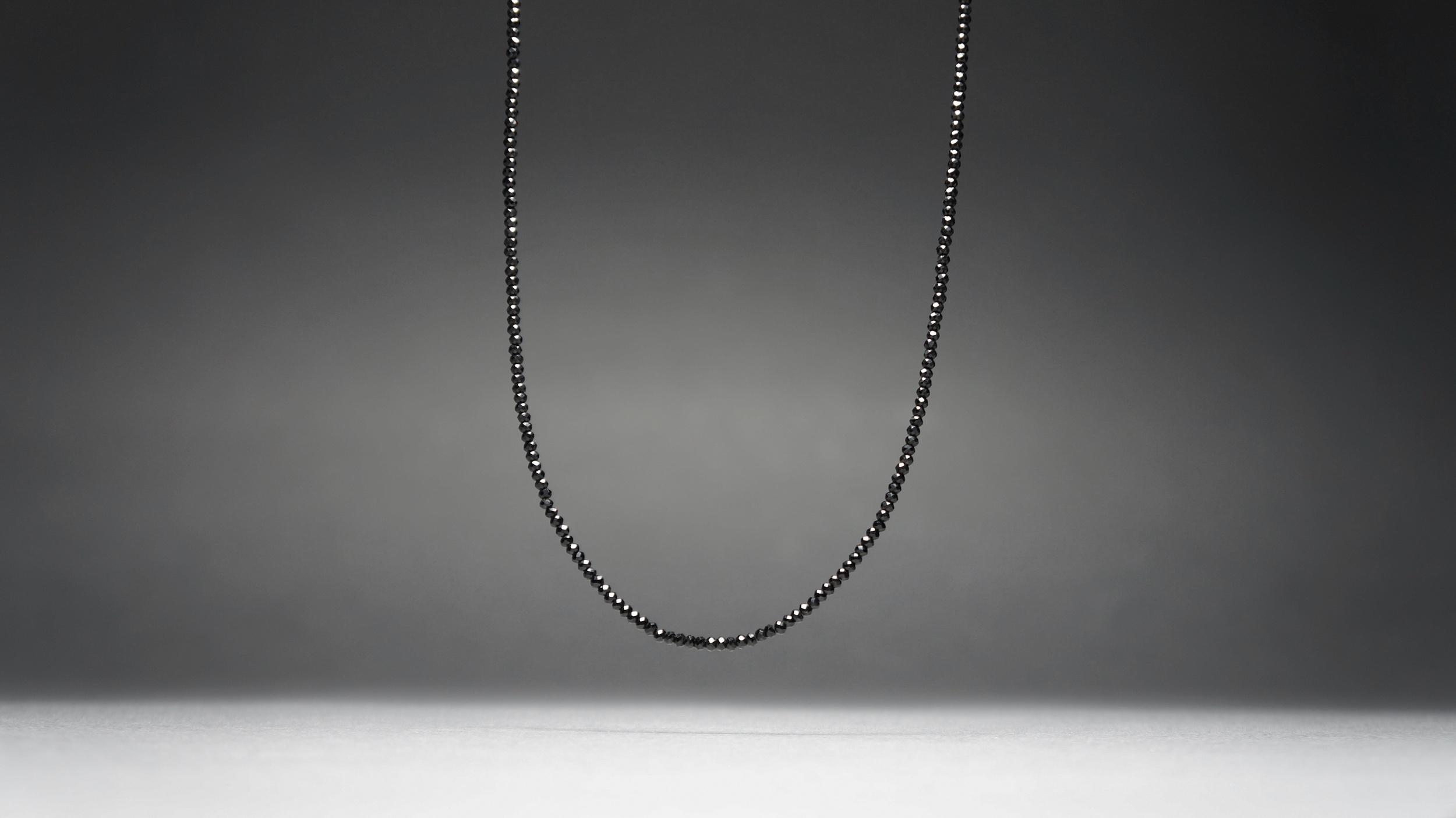 BLACK SPINEL NECKLACE 03
